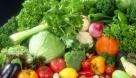 第一大类:最有效的清肠蔬菜 所有新鲜的绿叶蔬菜对于便秘是有效果的,因为含丰富的膳食纤维。绿叶菜中多为碱性,可以中和饮食中糖、肉、蛋及代谢中产生的过多的酸性物质,使体液保持弱碱性,从而清除血中有毒物。常食蔬菜可选萝卜叶、青菜、油菜叶、菠菜、芥蓝、大白菜、胡萝卜、菜花、甘蓝等。