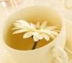 第六大类:最有效的清肠茶类 喝茶可以让人清心凝气,更有保健价值,喝茶的同时也促进了排尿量,排尿就是一种很好的排毒之一途径。 绿茶中有许多解毒因子,它们易与血液中有毒物质相结合,并加速从小便排出。常饮绿茶还能防癌和降血脂。吸烟者多饮绿茶可减轻尼古丁的伤害。 重点介绍:普洱茶 首先在于普洱茶茶性温和,暖胃不伤胃。这点对熟普洱茶尤为明显。胖子一般推荐喝普洱茶。普洱茶可以降血脂:许多医学实验证明,持续以恒的喝普洱茶能降低血脂达30%(视个体而不同),在一个实验中医院给20位血脂过多的病人,一天喝3碗云南沱茶,一个