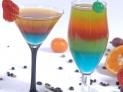4、汽水和果汁 这两种饮料含有许多果糖。大概有30%的成年人不能很好地吸收果糖,从而导致胃肠不适。