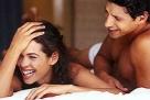 """4.一种自然的止痛剂 """"明尼苏达关节炎研究所""""执行所长TeresaBrady博士说:""""很多人在感到疼痛时错误地避开性行为,假如在疼痛的时候做爱,你才会惊奇地发现性交对于止痛是多么有效""""。南伊利诺医学院研究在偏头痛发作时做爱的52位女病人,其中有8人说头疼完全消失了,16人说头痛减轻了。性交能止痛的机制尚无定论。有一种学说以为,性高潮可以使脑内分泌的""""内啡肽""""活化,这种吗啡样的化学物质有很强的止痛作用。Rutgers大学护理学院副教授惠普尔博士说:""""性高潮是一种自然止痛剂""""。她在研究慢性关节炎、颈椎过度屈伸"""