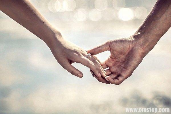 今天是一个甜蜜的日子,是相爱的人互诉衷肠,相依相伴的日子,可是作为